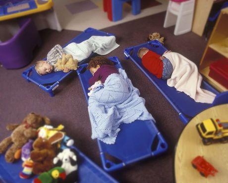 Spanie v škôlke. Oddych predškoláci