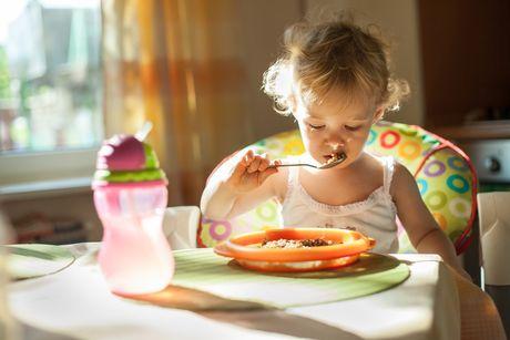 dieta, vyvin, samostatne jedlo sebaobsluha