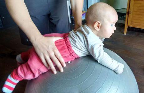 na bruško polohovanie novorodenec babatko zdravie