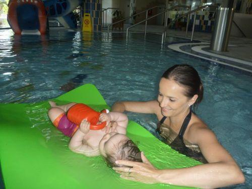 Plávanie s bábätkami - hydroterapia pre najmenších