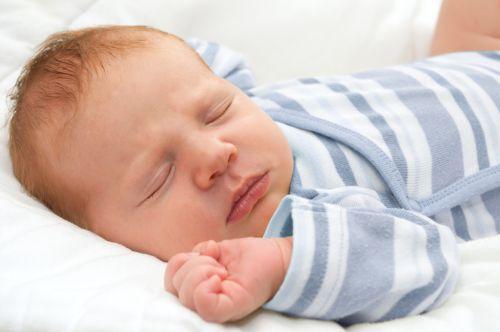 Ako spoznať, kedy dať bábätko spať