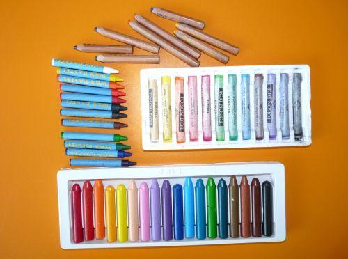 Škôlkari a kreslenie: s čím kresliť a čo radšej nekupovať?