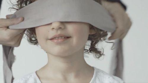 Video, ktoré vás dojme: mamu spoznajú aj so zaviazanými očami