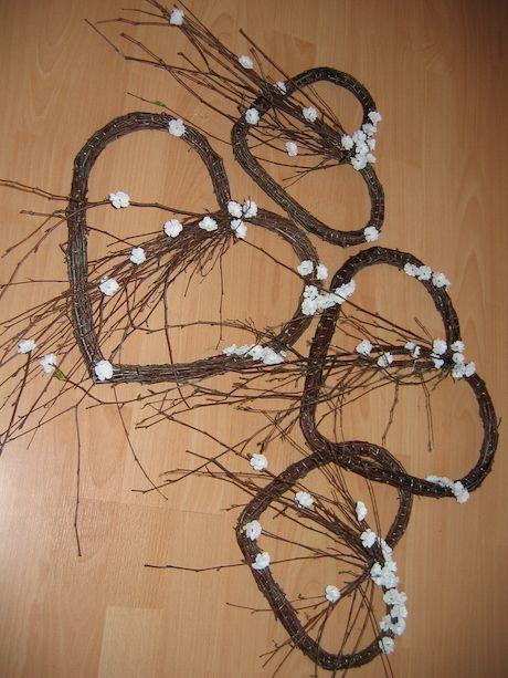 Z brezového prútia na drôtovej konštrukcii (10)