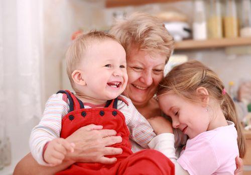 Čo dávajú deťom starí rodičia?