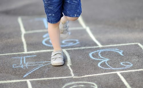Čo má vedieť dieťa, aby nezaostávalo za rovesníkmi v škôlke