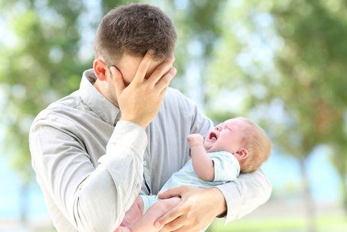 Milá moja žena, ani mne nie je ľahko, píše otec