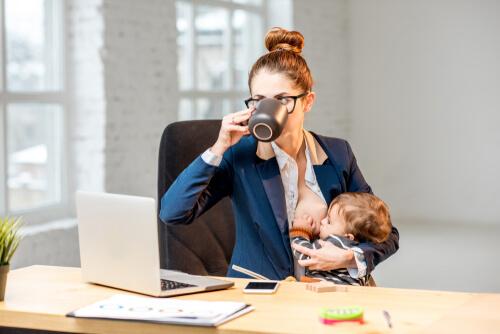 Dojčenie a návrat do práce alebo do školy