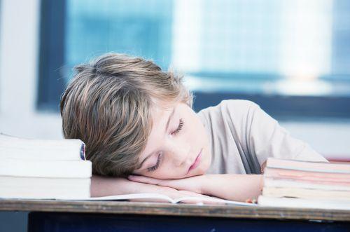 Každé dieťa má iný biorytmus, školy to však nerešpektujú