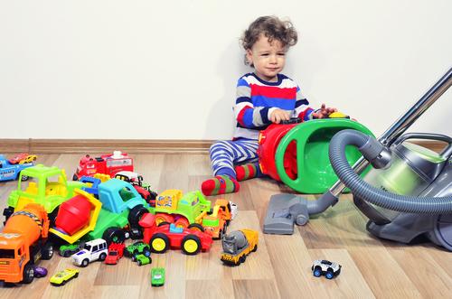 Menej hračiek, šťastnejšie deti