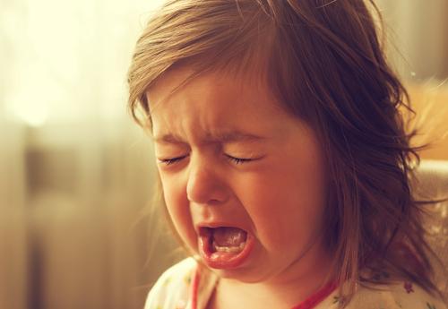 Kričať na deti nepomáha, ako na to inak?