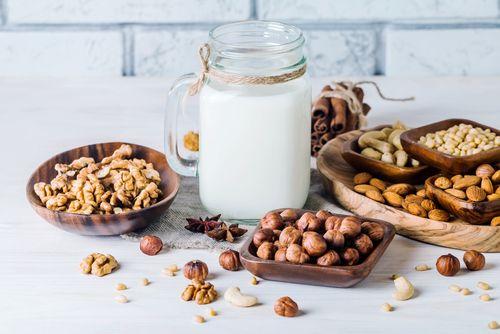 Rastlinné mlieka. Ako si ich vyrobiť doma (+video)