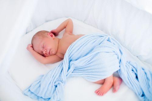 Spánok najmenších bábätiek - rady pre rodičov