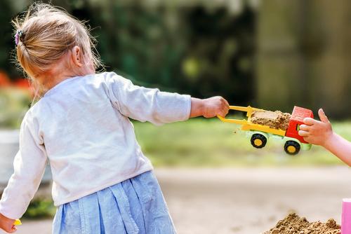 9 tipov, ako učiť deti deliť sa (o hračky)
