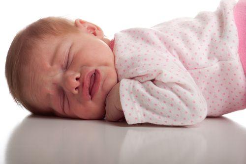 7 tipov, ako sa vysporiadať s prdíkmi bábätka