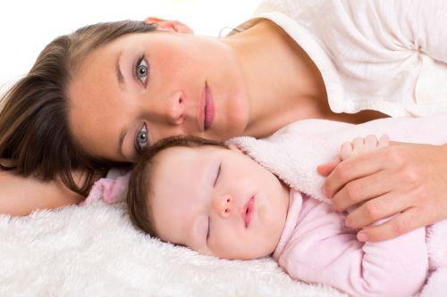 7 mýtov o spoločnom spaní s bábätkom