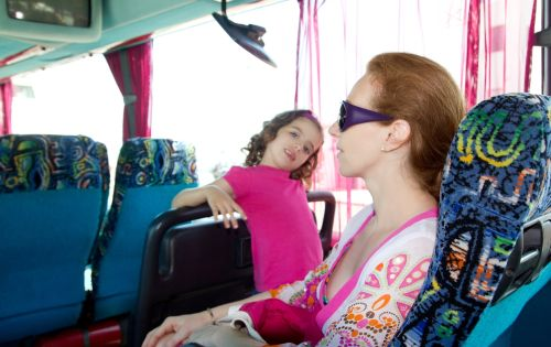 Deti musia byť pripútané aj v autobusoch