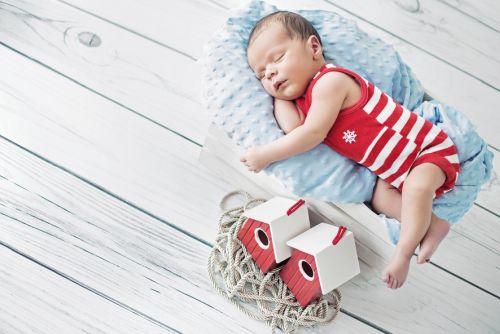 11 pravidiel pre bezpečný spánok s bábätkom