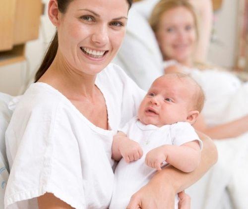 Novorodenec nemusí prvých 24 hodín jesť