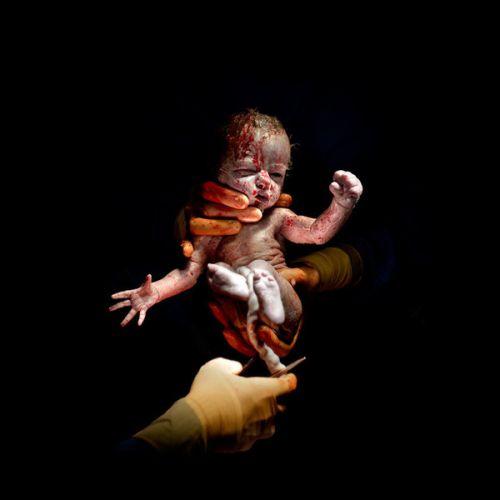 Portréty detí niekoľko sekúnd po narodení