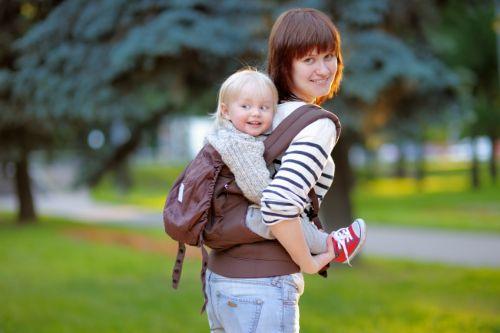 Aký nosič vybrať na turistiku s malým dieťaťom?