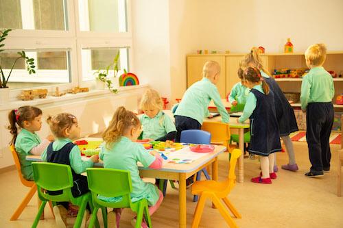 Uvažujete nad škôlkou pre vaše dieťa? Teraz je ten správny čas
