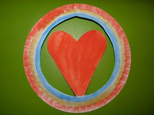 Tvorivo s deťmi: Srdce z papierového taniera