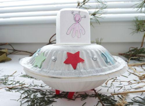 Lietajúci tanier s mimozemšťanmi