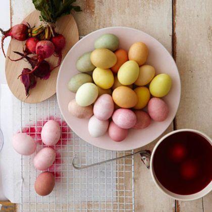 8 prírodných farieb na veľkonočné vajíčka